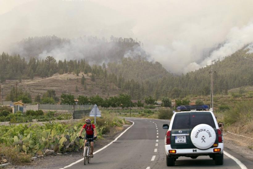 Российские организованные туристы в горных районах охваченных крупным пожаром Гран-Канарии могут быть