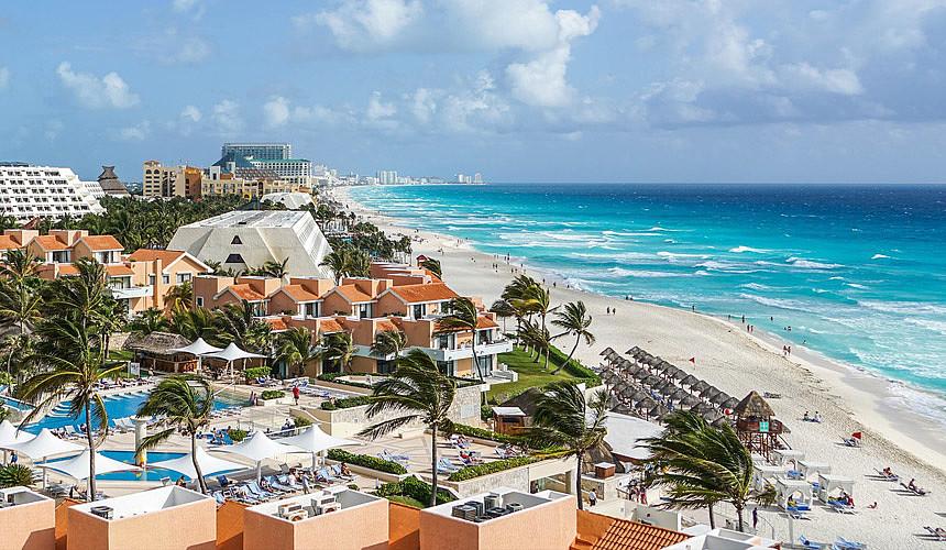 Летом-2019 российских туристов чаще будут возить в Мексику