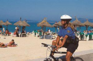 За что этим летом штрафуют на испанских пляжах