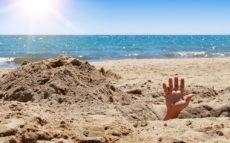 Турист утонул в собственноручно выкопанной на пляже яме