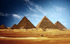 Египет, потеряв туристов, судорожно ищет способ на них заработать: вслед за визой дорожают достопримечательности